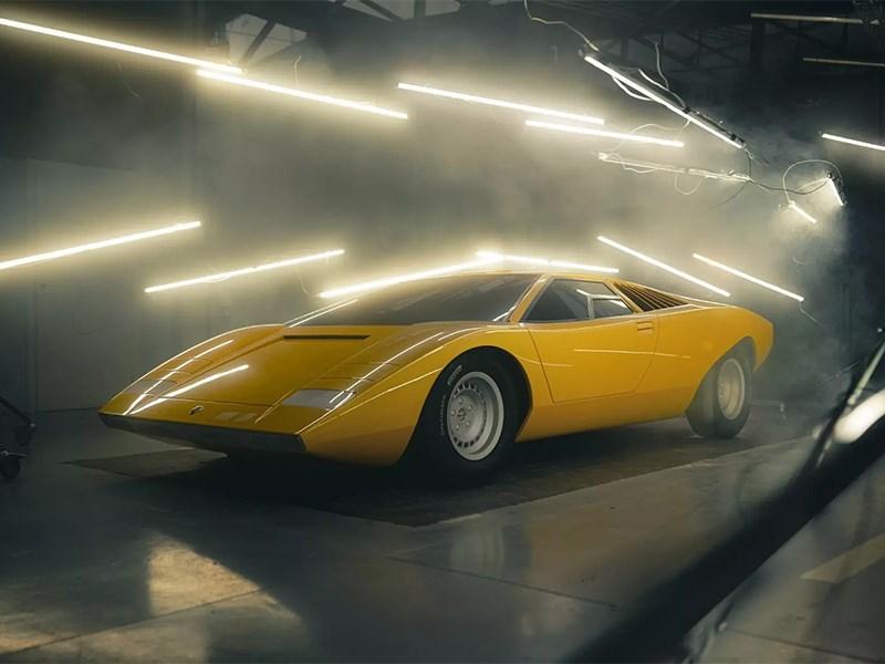 В Lamborghini построили реплику самого первого Countach