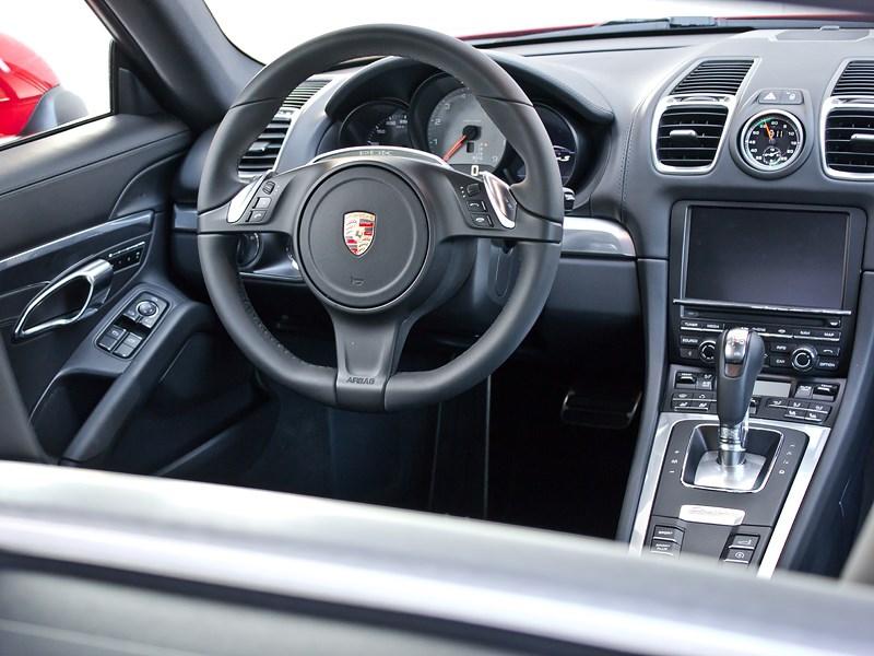 Porsche Cayman S 2013 водительское место