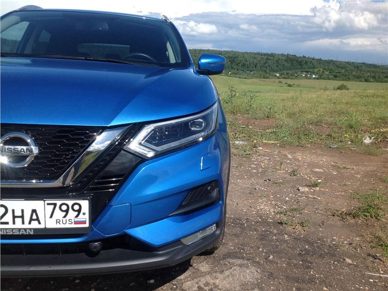 Nissan Qashqai 2018 передняя фара