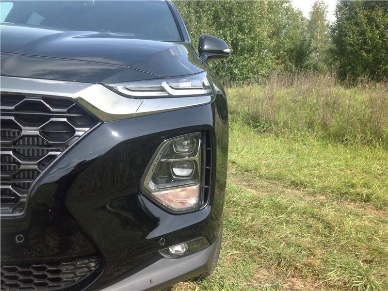 Hyundai Santa Fe 2019 передняя фара