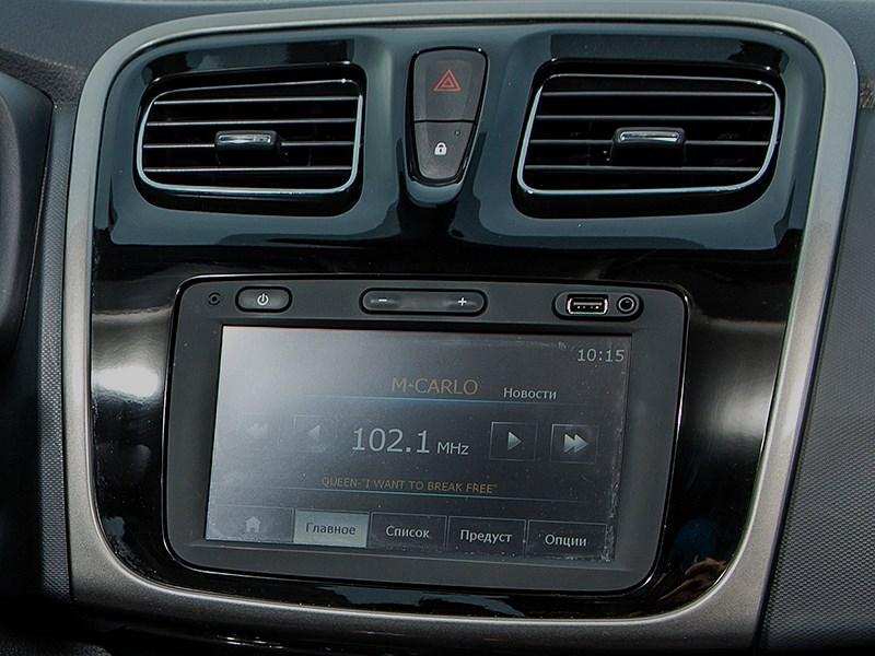 Renault Sandero 2013 монитор