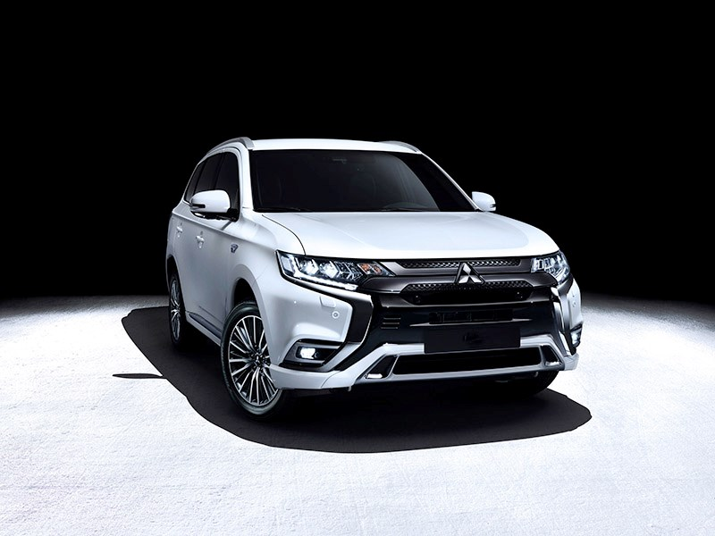 Mitsubishi обновила кроссовер Outlander