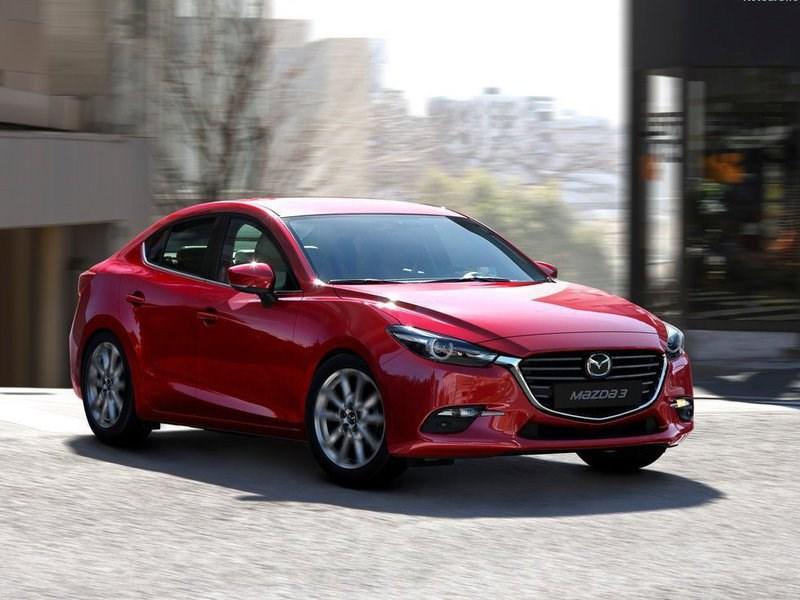 Mazda добавила новую базовую комплектацию «3-ей» модели