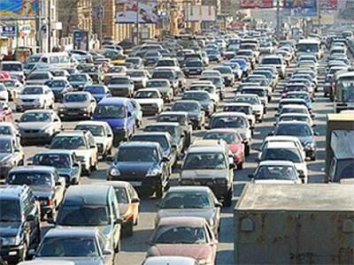 Более трети российских автомобилистов не знакомы с пробками