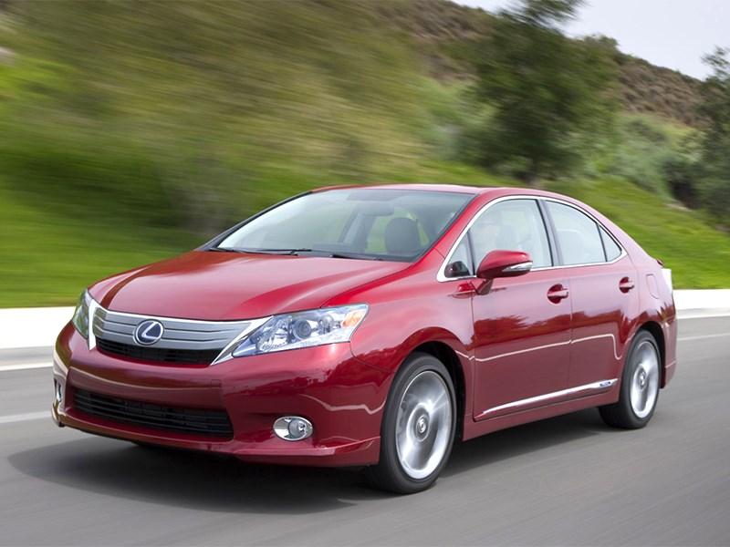 Toyota снова отзывает автомобили, в том числе – гибридные Lexus