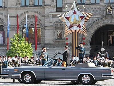 Московский ЗИЛ получил заказ от Минобороны на парадные кабриолеты