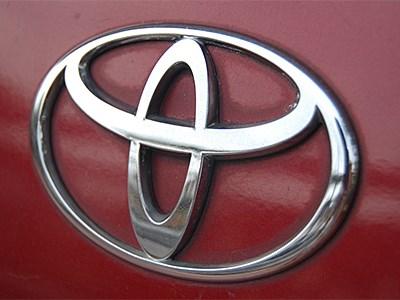 Toyota разрабатывает субкомпактный автомобиль с двигателями Mazda SkyActiv