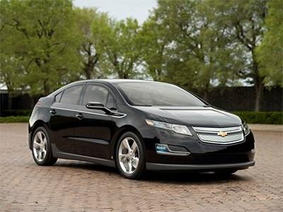 Гибридный автомобиль Chevrolet Volt получит бюджетную модификацию