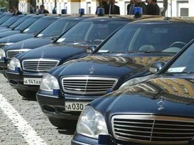 Чиновники не смогут приобретать машины Mercedes-Benz и Fiat Chrysler в качестве служебных