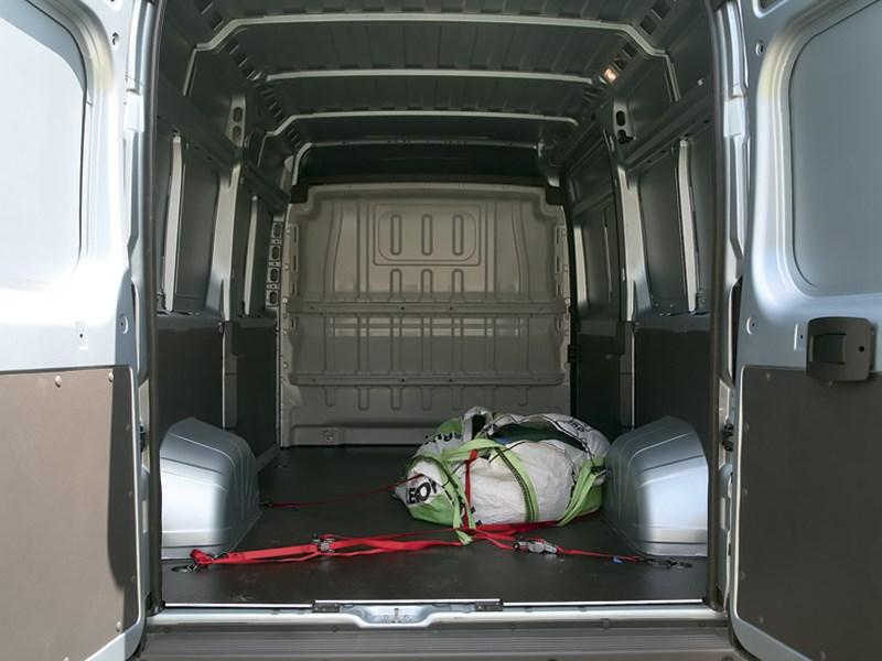 Peugeot Boxer 2014 багажное отделение