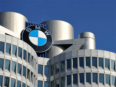 BMW планирует выпустить за три года пять новых моделей на одной и той же платформе