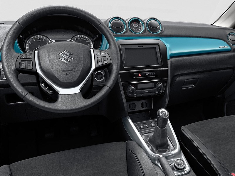 Suzuki Vitara 2015 водительское место
