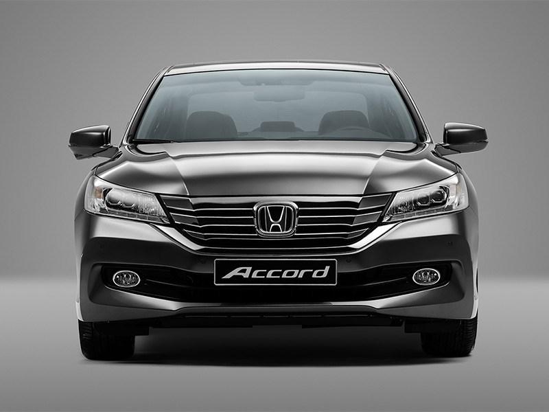 Honda Accord 2015 фронтальный вид