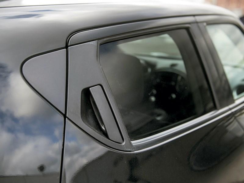 Nissan Juke 2012 потайные ручки