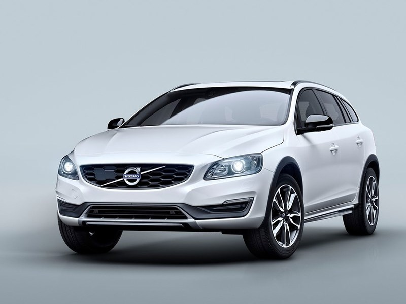 Volvo V60 Cross Country 2015 На подъем!