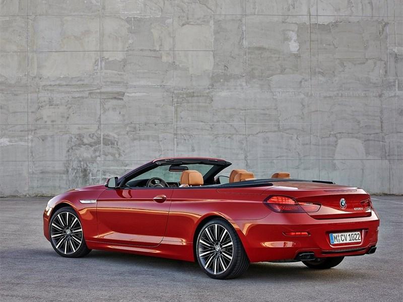 BMW 6-Series Convertible 2015 вид сбоку сзади