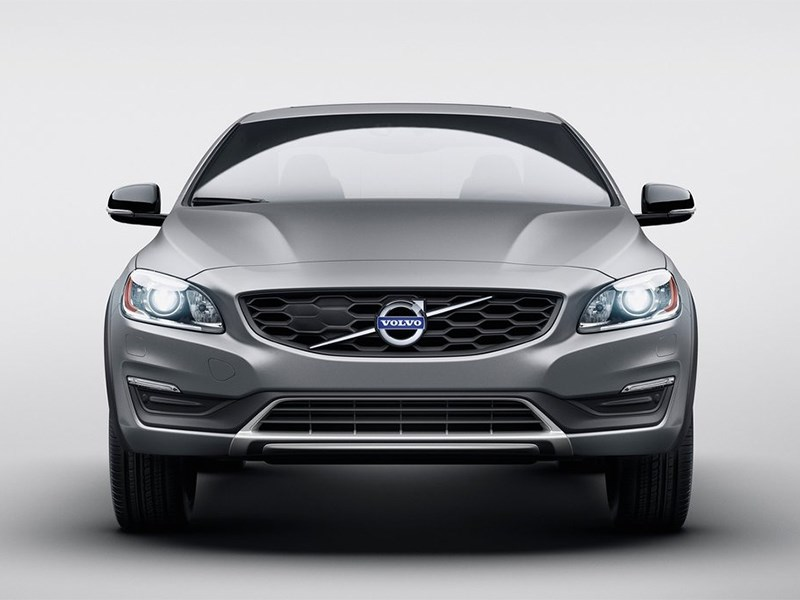 Volvo S60 Cross Country 2016 вид спереди