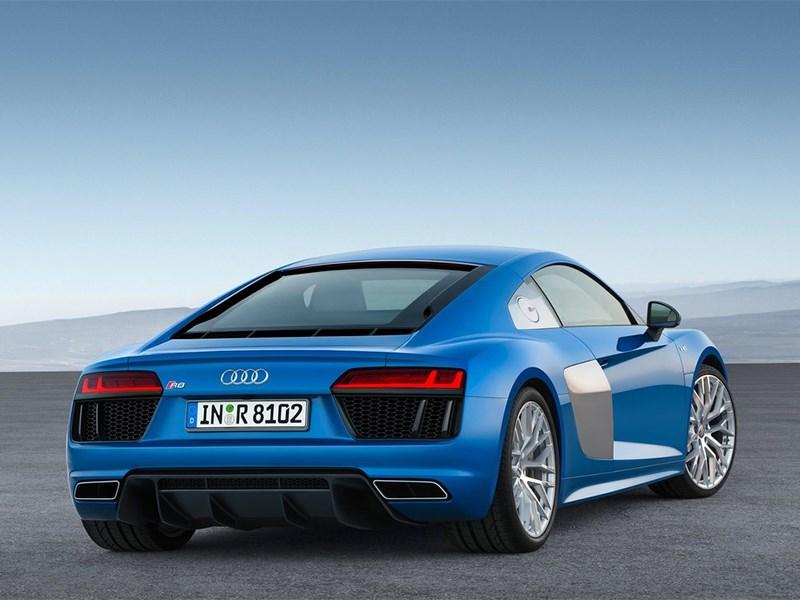 Audi R8 2016 вид сзади