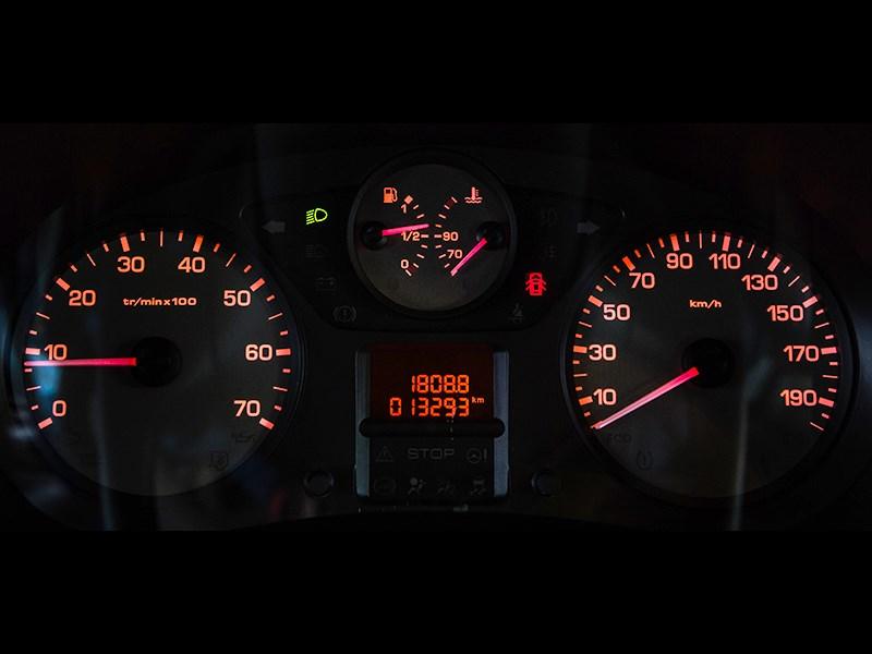 Citroen Berlingo 2009 приборная панель