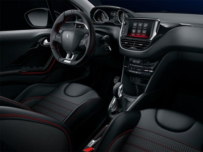 Peugeot 208 2016 салон