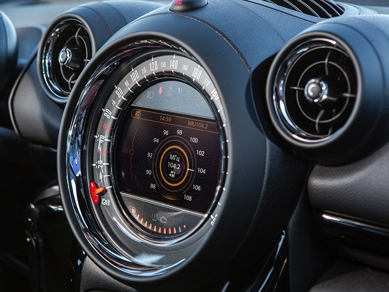MINI Paceman Cooper S All4 дисплей