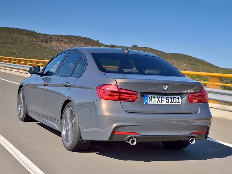 BMW 3 series 2016 вид сзади