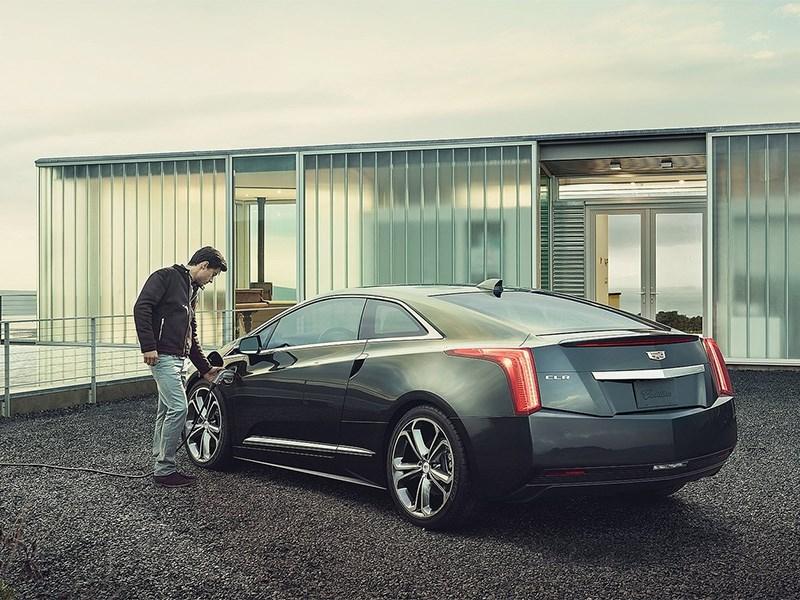 Cadillac ELR 2016 вид сзади сбоку