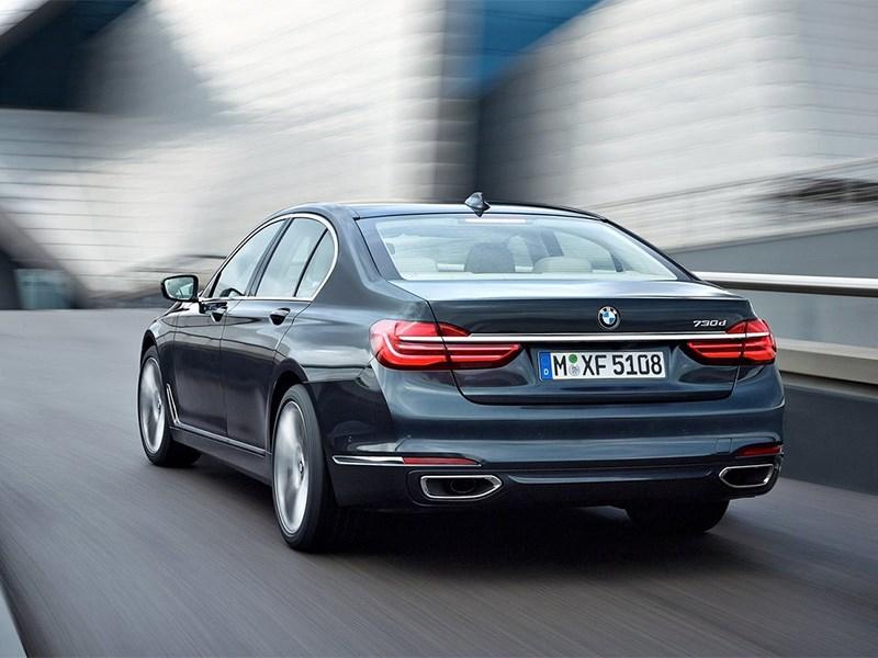 BMW 7-Series 2016 вид сзади