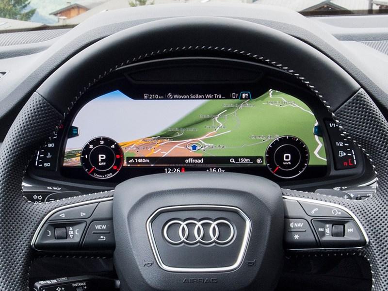 Audi Q7 2015 приборная панель