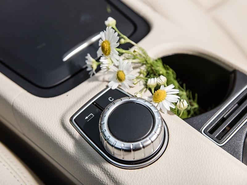Mercedes-Benz GLA-klasse 2015 АКПП