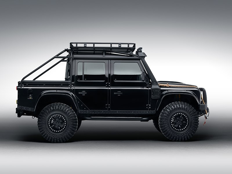 Land Rover Defender 110 Targa 2015 вид сбоку