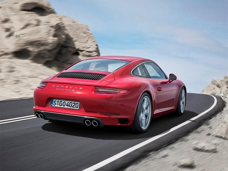 Porsche 911 Carrera coupe 2016 вид сзади