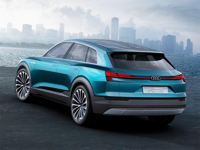 Audi e-Tron quattro 2015 вид сзади