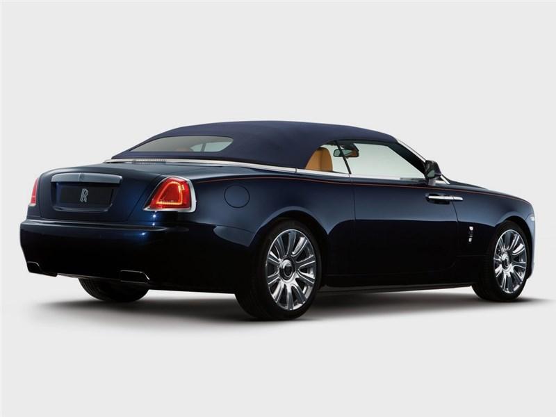 Rolls-Royce Dawn 2017 вид сзади