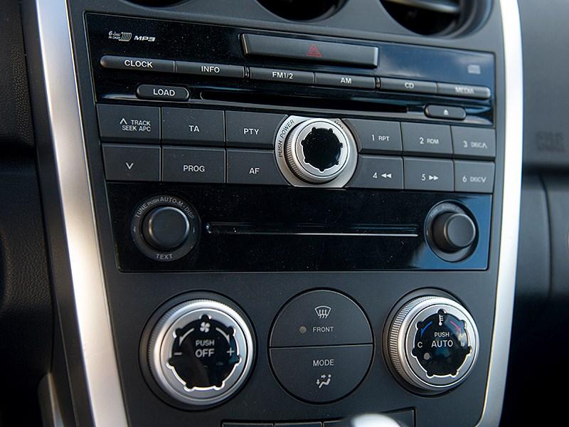 Mazda CX7 2011 центральная консоль