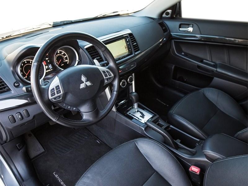 Mitsubishi Lancer GT 2016 салон