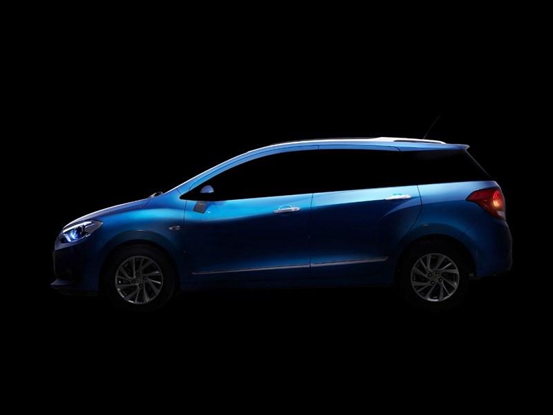 Chevrolet Lova RV 2016 вид сбоку