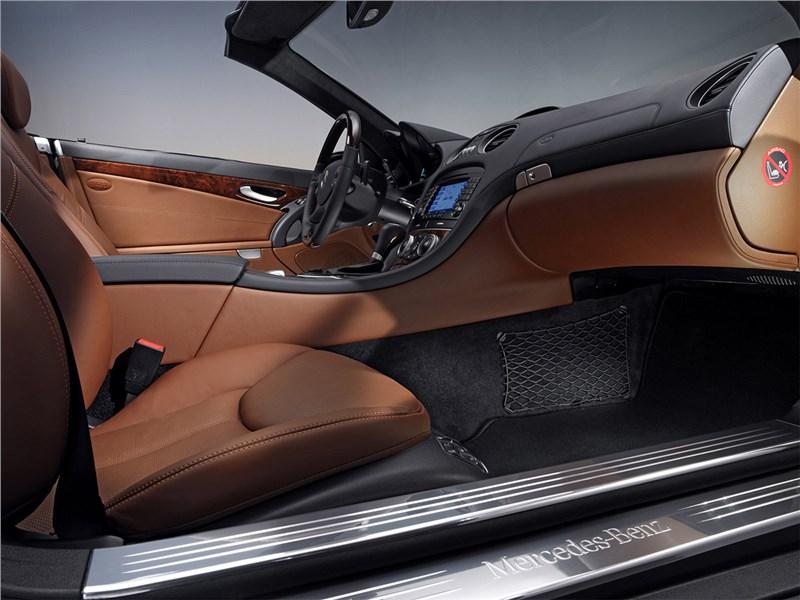 Mercedes-Benz SL 500 2006 салон