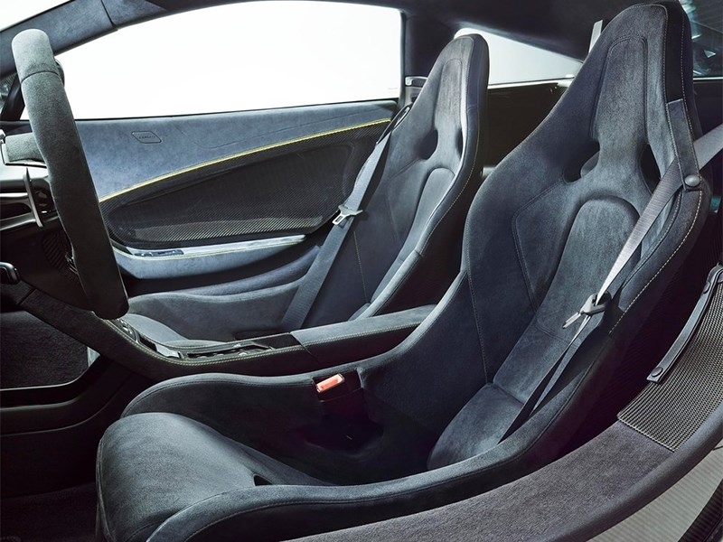 McLaren 650S 2014 кресла