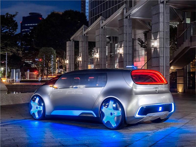 Mercedes-Benz Vision Tokyo Concept 2015 вид сзади сбоку