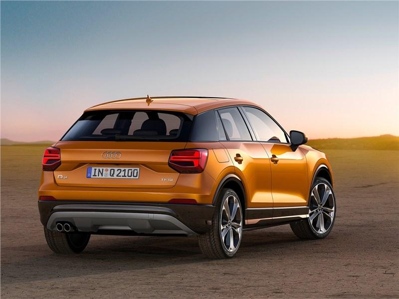 Audi Q2 2017 вид сбоку сзади