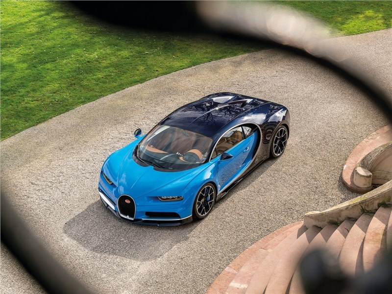 Bugatti Chiron 2017 вид сверху