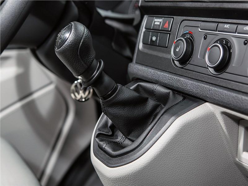Volkswagen Transporter 2015 6МКПП