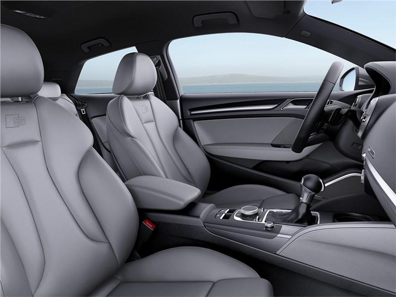 Audi A3 2017 передние кресла