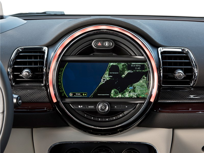 Mini Clubman Cooper S 2016 монитор