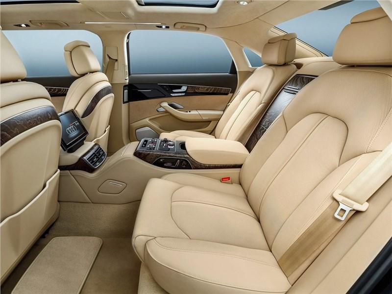Audi A8 L Extended 2016 места для пассажиров