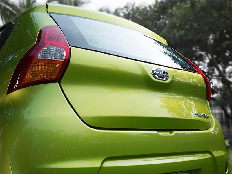 Datsun redi-Go 2016 задний фонарь