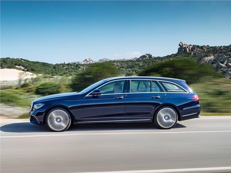 Mercedes-Benz E-Class Estate 2017 вид сбоку