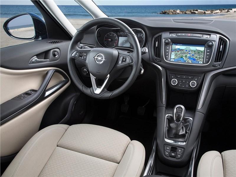 Opel Zafira 2017 салон
