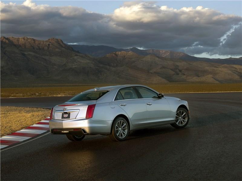 Cadillac CTS 2017 вид сзади сбоку